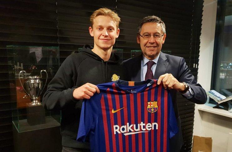 Barcelona Mengumumkan Transfer Frenkie De Jong dari Ajax
