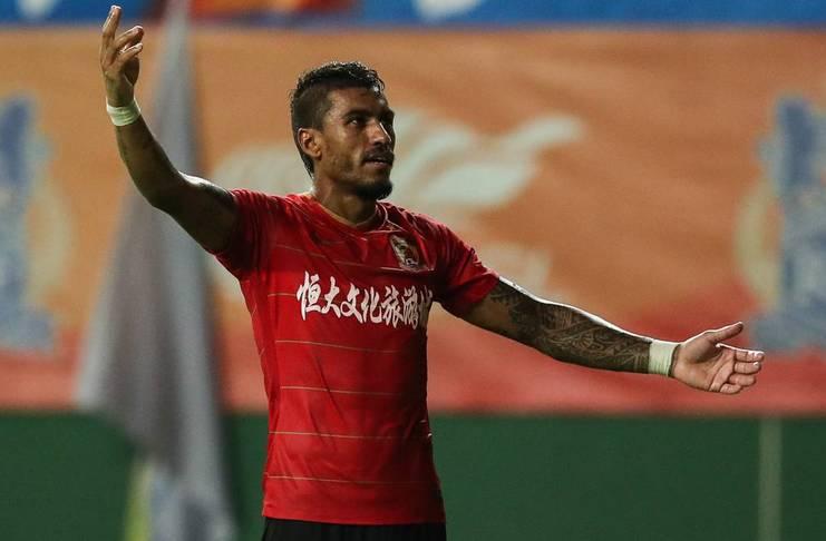 Guangzhou Evergrande Ingin Mempermanenkan Paulinho