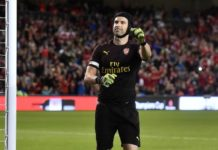 Keputusan Cech untuk Gantung Sepatu Dipertanyakan