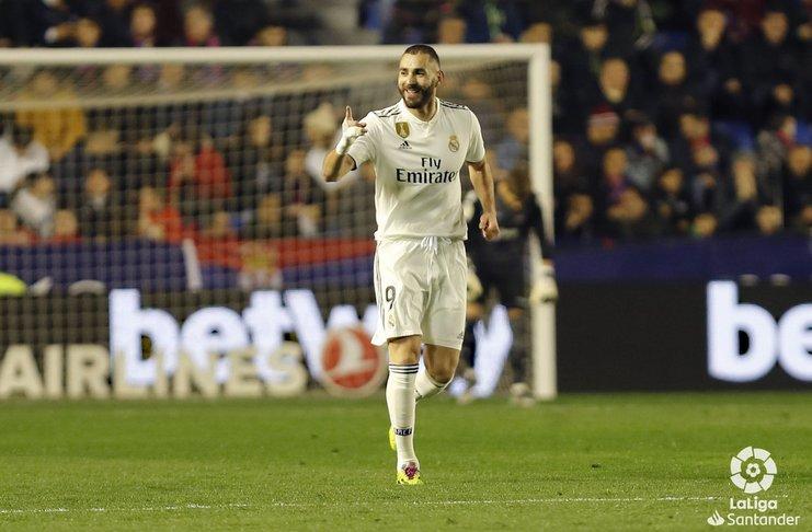 Benzema Menjadi Moncer Setelah Ditinggalkan Ronaldo