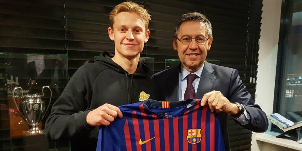 De Jong Berharap Bisa Bertahan Lama di Barcelona