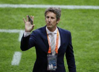 Van der Sar Optimistis Ajax Bisa Membungkam Juventus
