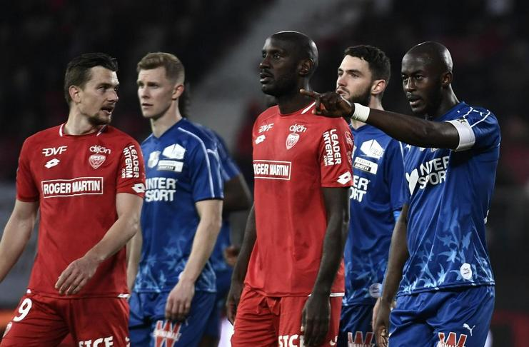 Laga di Liga Prancis Sempat Berhenti Sebab Terdapat Pelecehan Rasial